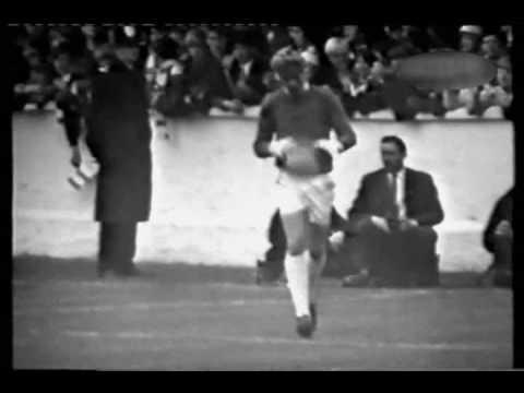 1966 - Leeds United v Manchester United - Elland Road - 01