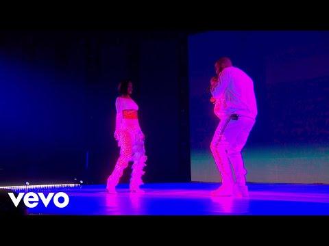 Rihanna - Work - Live at The BRIT Awards 2016 ft. Drake