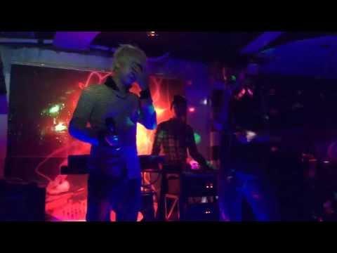 [ Live ] Chờ Người Vô Tình - Loren Kid (2014)
