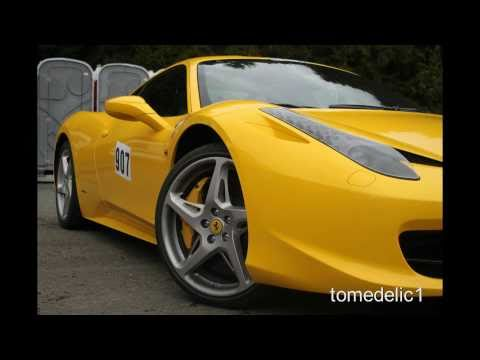 Ferrari 458 Italia LOUD Acceleration, Downshift And Fly-by