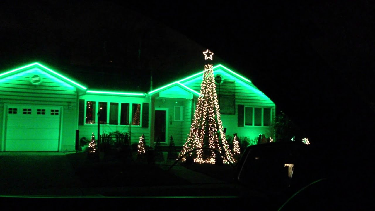 Crazy christmas lights on house move to music youtube for Crazy house music