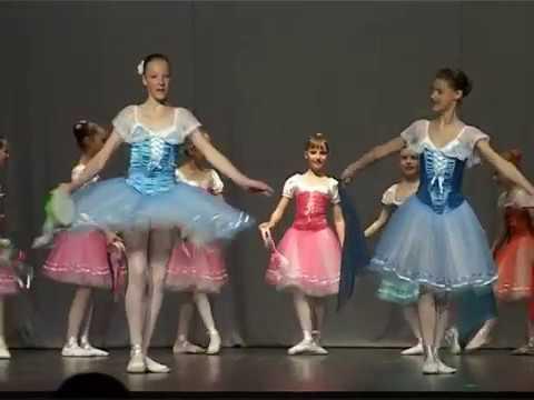 Смотреть видео Впервые в вентспилсе фестиваль классического танца