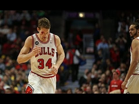 Mike Dunleavy Jr Leaves it All on the Court