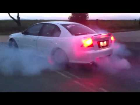 Holden vy v6 burnout