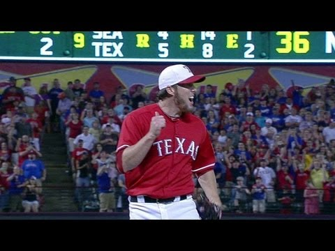 SEA@TEX: Nathan strikes out Saunders for the save