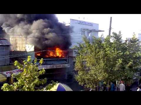 Cháy nhà ở Cà Mau chiều ngày 27 tháng 02 năm 2013- clip 2