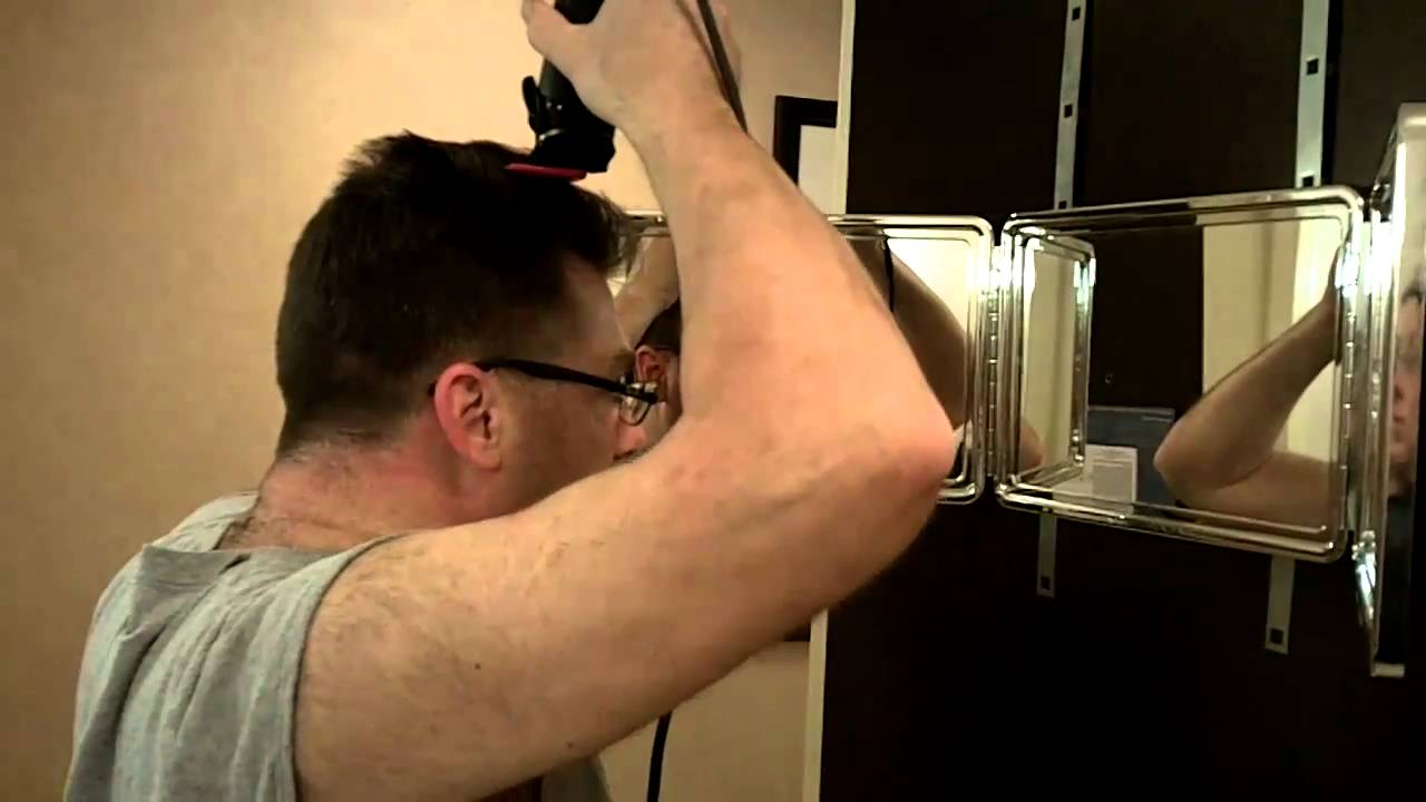 Cutting A Mirror Yourself : Cut your own hair how to barber clipper haircut at home