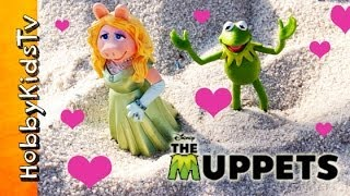Disney Kermit, Miss Piggy, ROMANCE At The Park! [Muppets