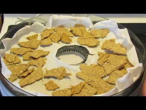 Raw Vegan Pumpkin Seed Flax Crackers (Gluten-Free)
