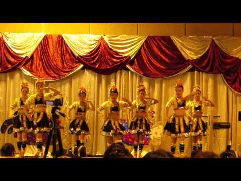 Nkauj Hmoob Hli Xiab @ Sacramento Hmong New Year Dance Competition 2013 - 2014