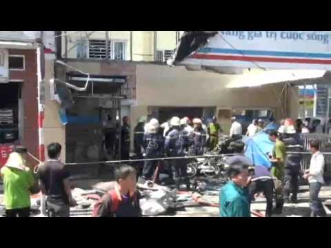 Cháy lớn phòng giao dịch VietinBank ở Gò Vấp