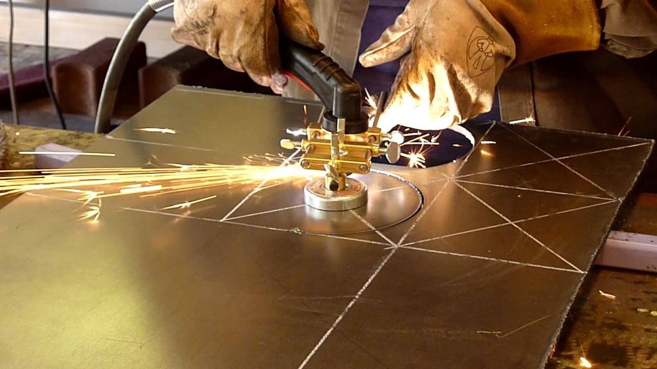 Cutting circles in 1 4 plate steel with a plasma cutter for A shear pleasure pet salon