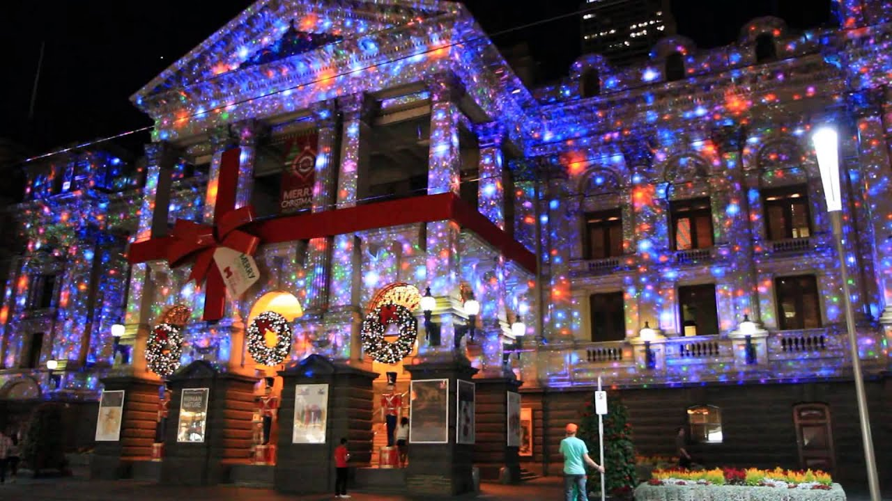 ... Christmas lights projection 2012 - Video - shot with low light lens