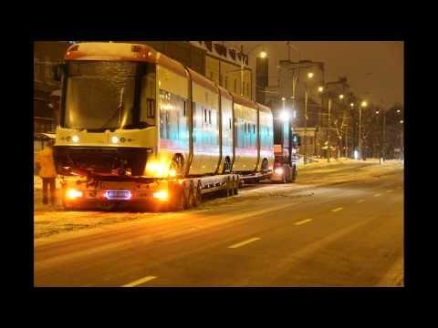 Rozładunek tramwaju PESA 120Na Swing nr 1016