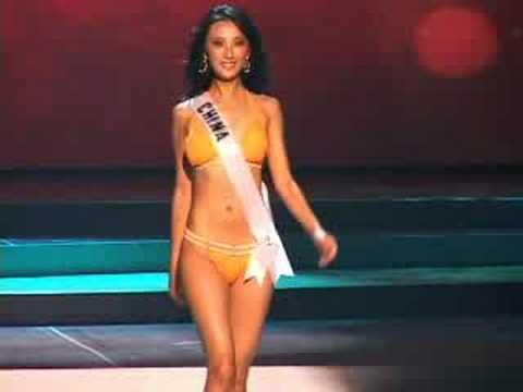 Ziya Tong In Bikini 63