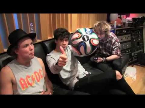 5 Seconds Of Summer ft. Scott Mills - Hearts Upon Our Sleeve