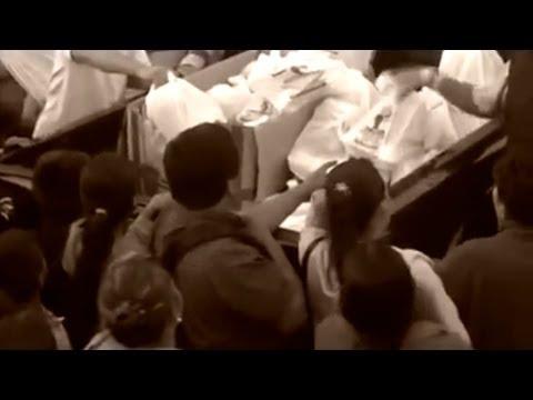 Aparece video de narcos entregando regalos de Navidad -- Noticiero Univisión