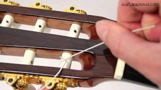 Cómo cambiar las cuerdas de una guitarra clásica