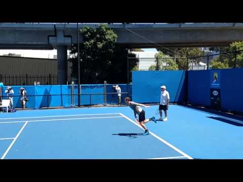 Andy Murray in Slow Motion Serving