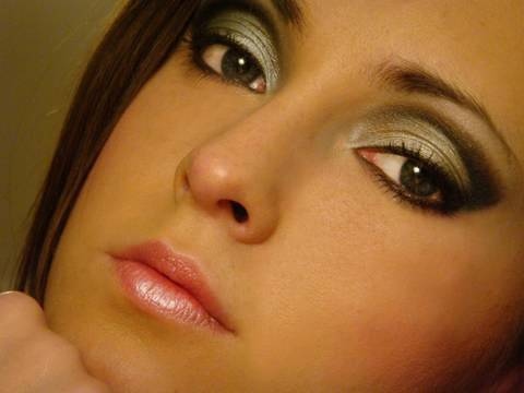 Black and silver eye makeup tutorial