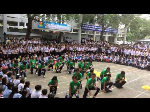 Lớp 7/12 nhảy bài beautiful gỉls, hey mama và PPAP Phạm Văn Chiêu