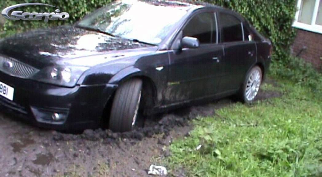 Ford Mondeo MK3 V6 Garden Vs Mondeo  YouTube
