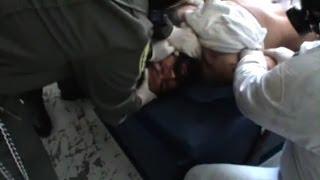 """VIDEO SOCANT! Ce le fac gardienii acestor detinuti, la inchisoare. """"Cum se poate asa ceva? Este INUM"""