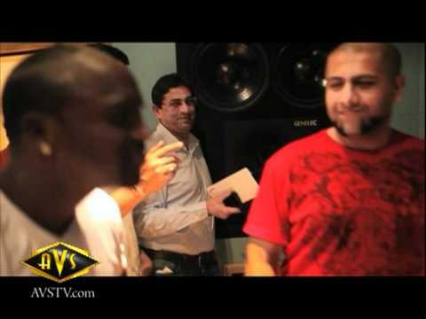 Ra.One Chammak Challo recording with Akon