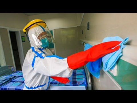 Ebola Gear: What's It Like to Put on a Hazmat Suit?
