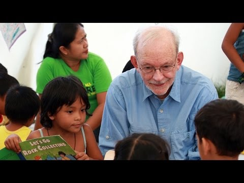UNICEF Executive Director visits typhoon-affected families in the Philippines