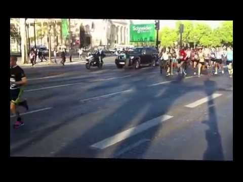 Warm-up Kenenissa Bekele - Marathon de Paris 2014
