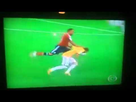 Neymar Zuniga, battibecco