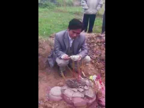 Nhà ngoại cảm Nguyễn Quốc Thắng và ngôi mộ 70 năm tuổi tại Tản Hồng, Ba Vì