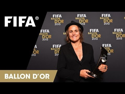 Nadine Angerer on winning the Women's Player of the Year 2013 (German)