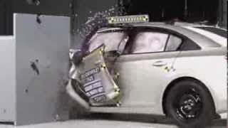 2013 Chevrolet Cruze CRASH TEST IIHS Small Overlap Test