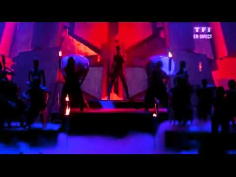 Rihanna - Russian Roulette (Live At The NRJ Music Awards 2O1O)