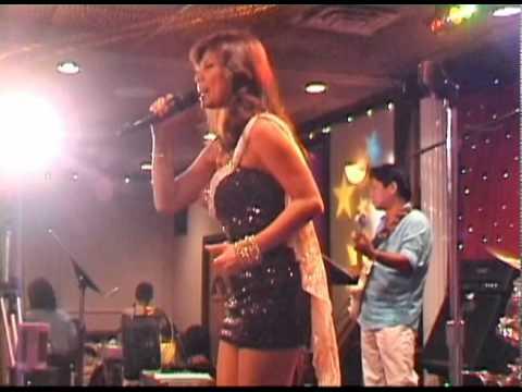 Yeu Em Dai Lau - Ho Le Thu & Saigon Stars Band