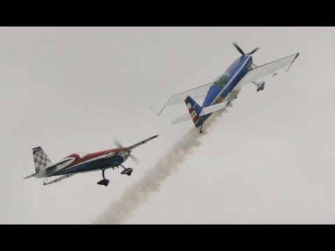 EXTRA DUO - AMAZING 3D FULL SIZE & RC MODEL FORMATION FLYING MIKE & CHRIS - HEADCORN 2013