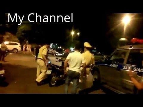 Giang hồ đánh nhau với cảnh sát giao thông
