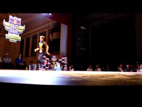 Bboy Uma VS Bboy Khura Semi Final Red Bull BC One Tajikistan Cypher