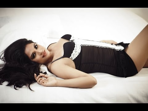 Richa Chadda Exposing Hot Clips