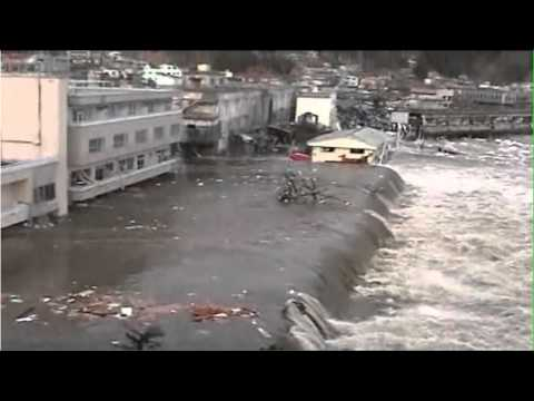 0 Japan Tsunami in Sendai: The public speaker said the tsunami was coming...