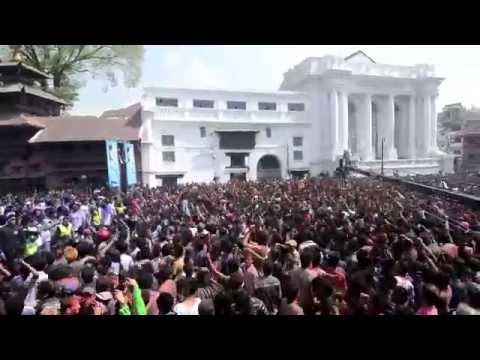 Rocking Holi Festival In Nepal and Fight