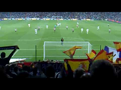 Ultras Real Madrid contra el Bilbao 2010. mp4