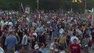 [Protest in Sofia 17.06.2013   Raw Unplugged recording in Full HD]