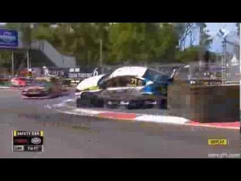 Zukanovic Crash @ 2013 Dunlop V8 Supercars Sydney Race 1