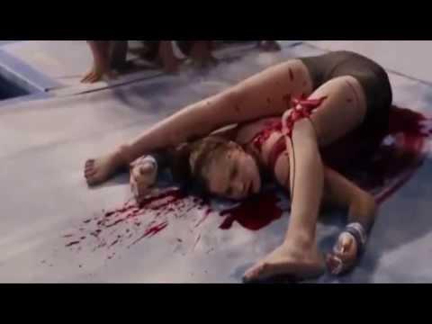 Clip : Tai nạn kinh dị , thằng nào yếu tim ngất !