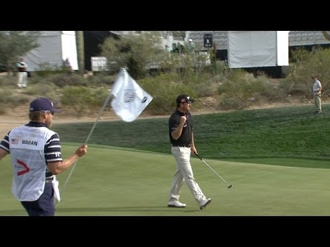 Graeme McDowell makes a clutch putt from 14 feet at Accenture