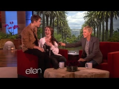 Justin Bieber's Superfan Becomes His Birthday Gift!, Ellen sent Jeannie to a Justin Bieber superfan's house and asked her to get in a box! She had no idea she was about to be shipped to the show and meet her fa...