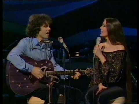 Donovan & Crystal Gayle - Catch The Wind